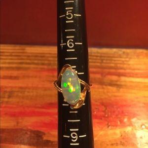 Jewelry - Vintage 10K Crystal Opal Ring